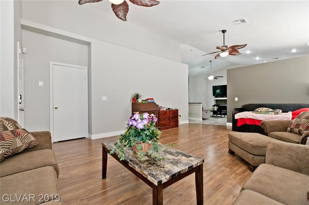 2519 Hollow Oak Ave North Las Vegas, NV 89031 - Photo 4