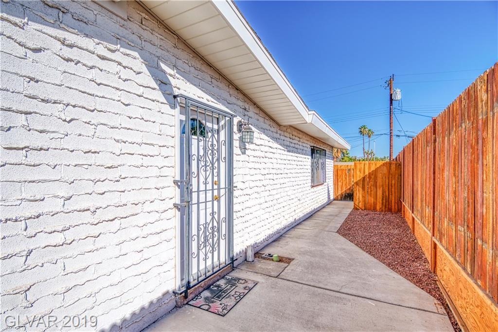 2200 Bonnie Brae Ave Las Vegas, NV 89102 - Photo 40