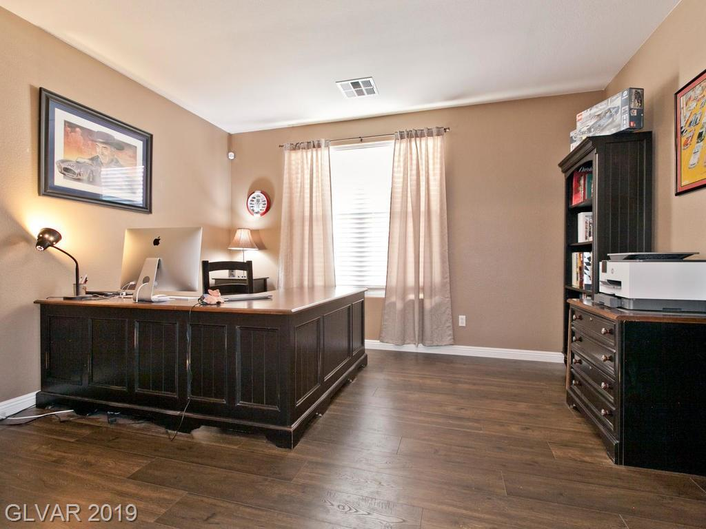 5638 Breckenridge St North Las Vegas, NV 89081 - Photo 3