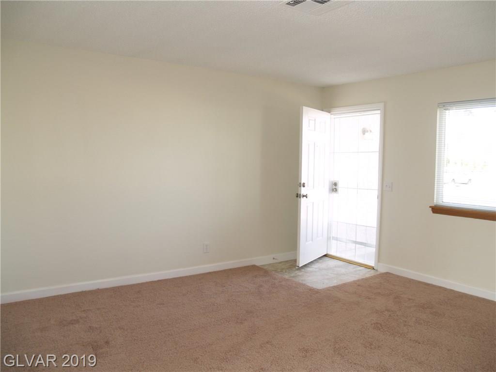 5214 Rappahanock St Las Vegas, NV 89122 - Photo 4