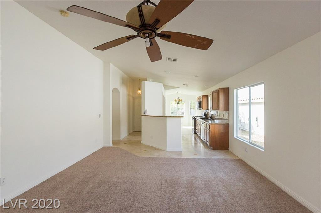 1096 Snow Roof Ave Henderson, NV 89052 - Photo 2