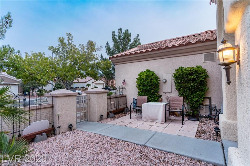 2249 Sun Cliffs St Las Vegas, NV 89134 - Photo 4