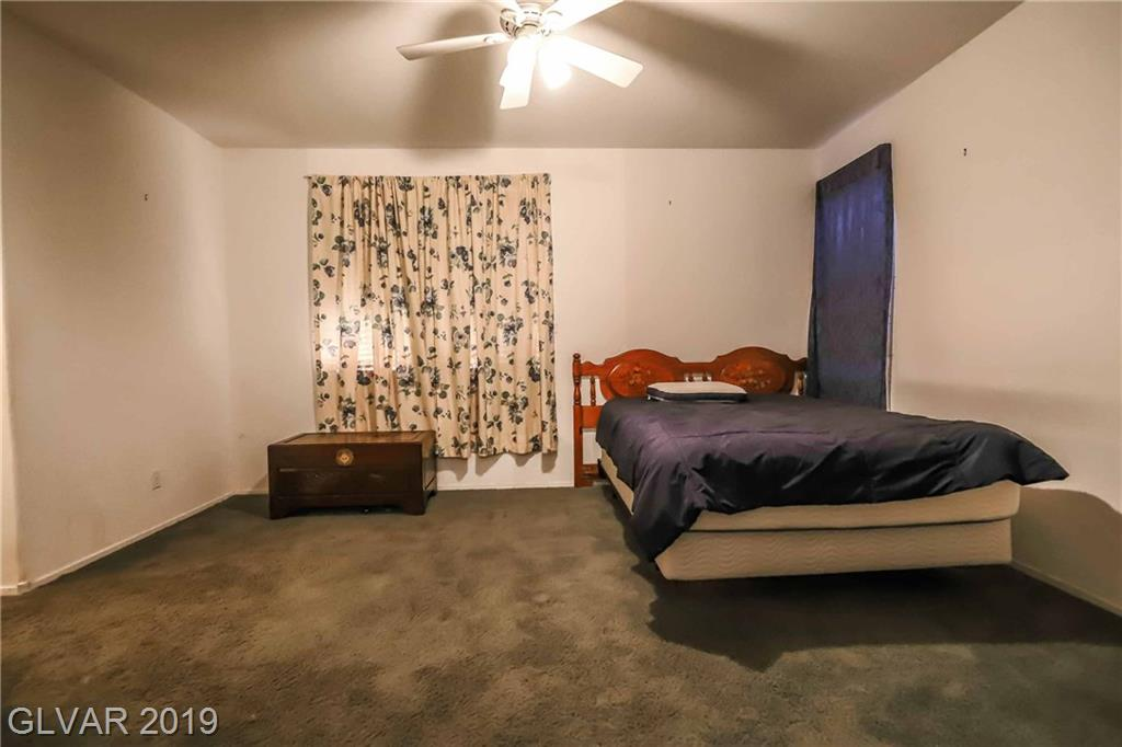 2558 Wiltshire Ave Henderson, NV 89052 - Photo 17