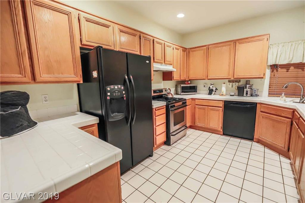 2558 Wiltshire Ave Henderson, NV 89052 - Photo 8