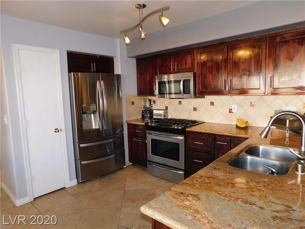8908 Dolente Ave Las Vegas, NV 89129 - Photo 3