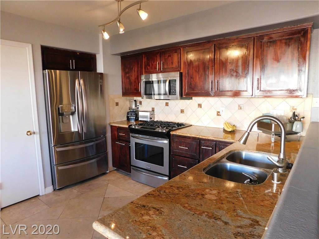 8908 Dolente Ave Las Vegas, NV 89129 - Photo 4