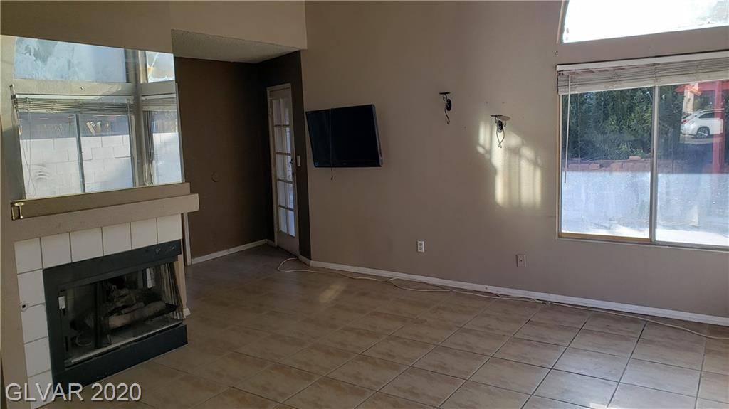 2671 Par Four Ln Las Vegas, NV 89142 - Photo 4