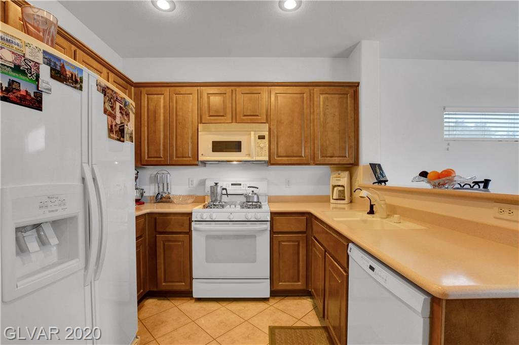 2347 Schaeffer Hills Dr Las Vegas, NV 89052 - Photo 16
