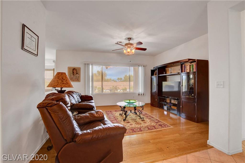 2347 Schaeffer Hills Dr Las Vegas, NV 89052 - Photo 4