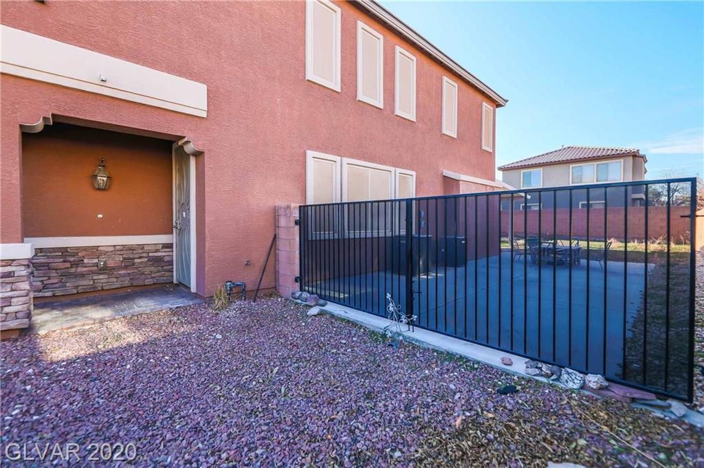 759 Crimson Peak Pl Henderson, NV 89011 - Photo 3