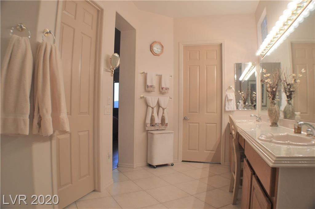 1661 Rockcrest Hills Ave Henderson, NV 89052 - Photo 32