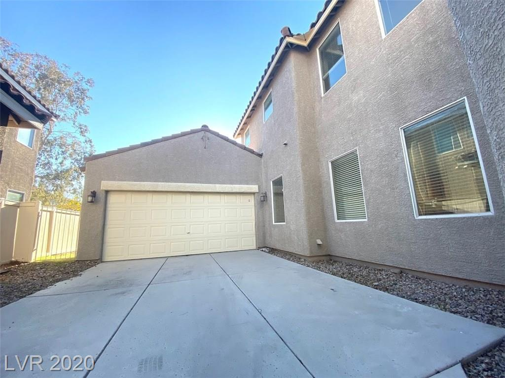 10965 Paradise Rd Henderson, NV 89052 - Photo 2