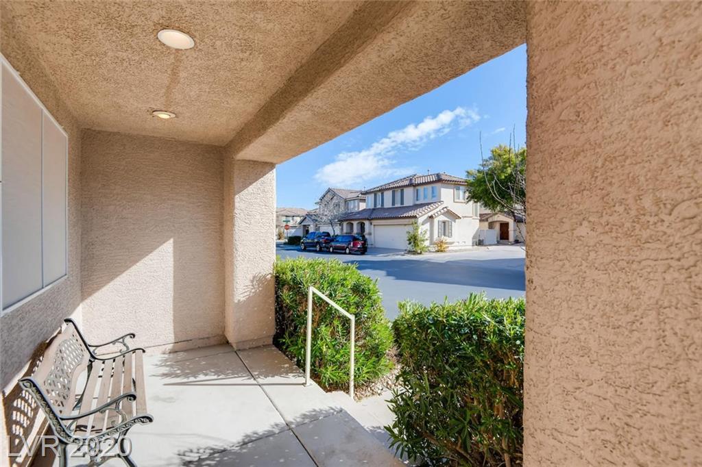 1026 Monte De Oro Ave Las Vegas, NV 89183 - Photo 3