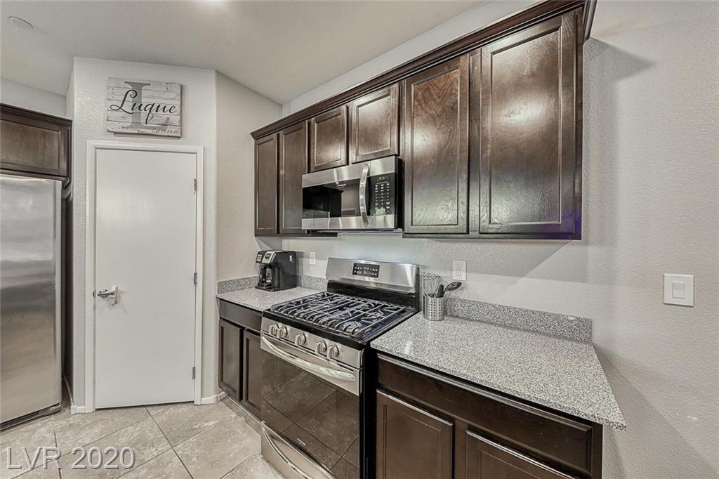 9335 Chieftain St Las Vegas, NV 89178 - Photo 18