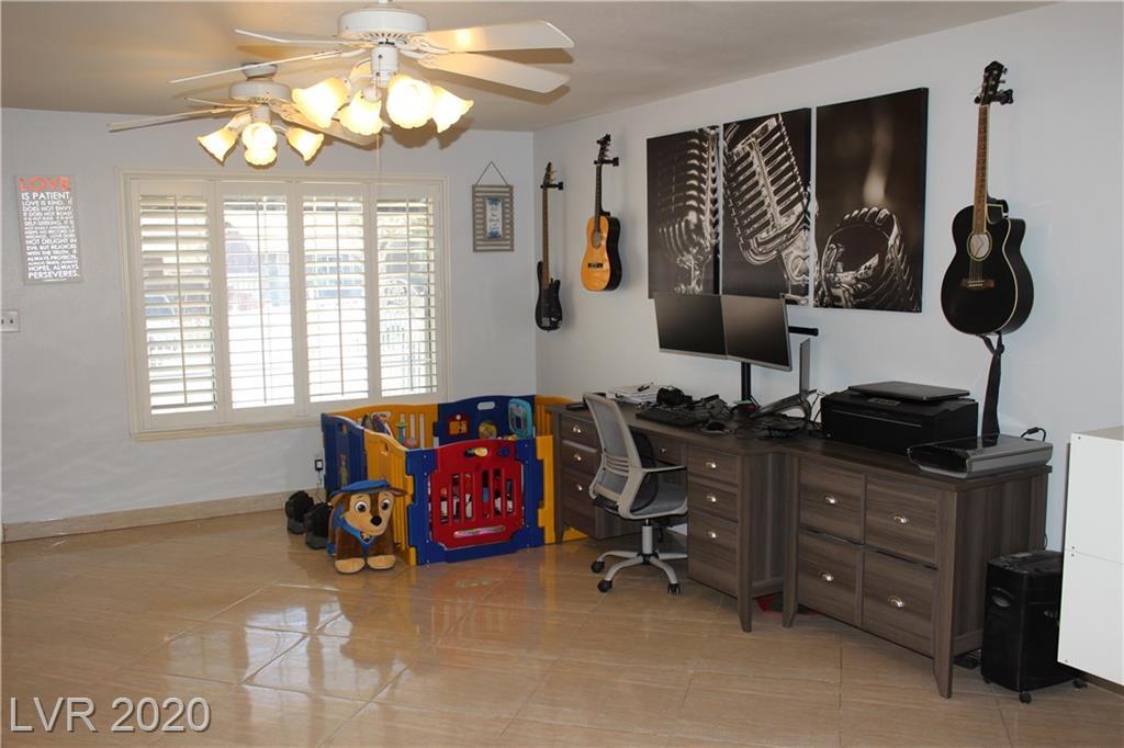 713 Huntington St Las Vegas, NV 89107 - Photo 2