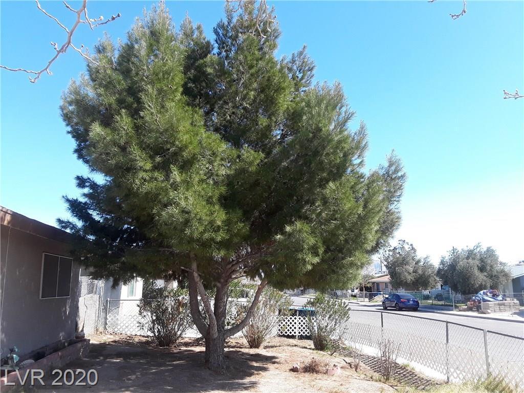2100 Dogwood Ave North Las Vegas, NV 89030 - Photo 2