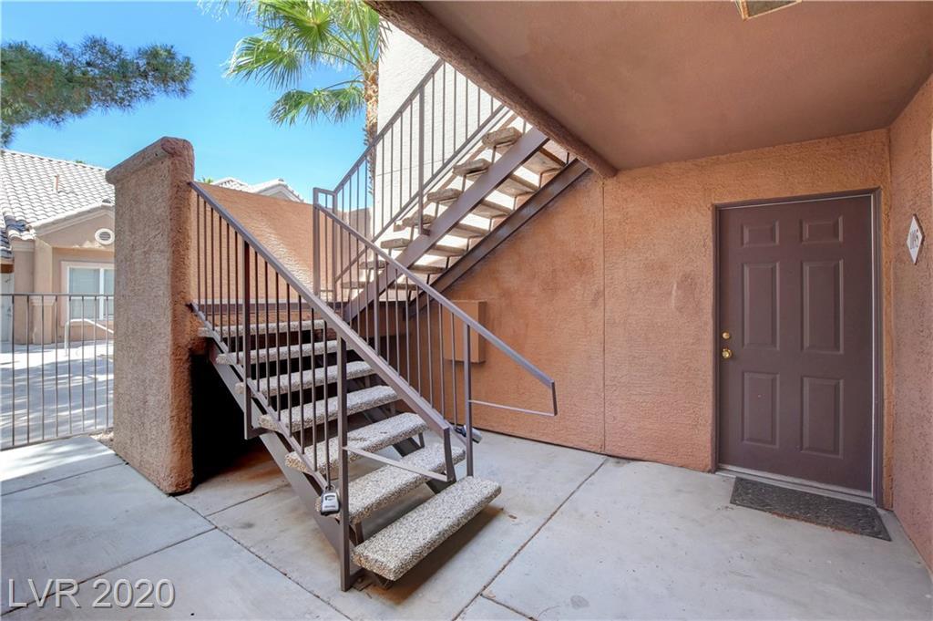 8101 Flamingo 1095 Las Vegas, NV 89147 - Photo 2