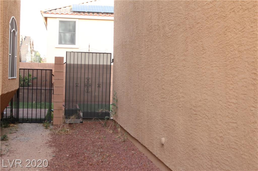 9732 Fox Estate St Las Vegas, NV 89141 - Photo 42