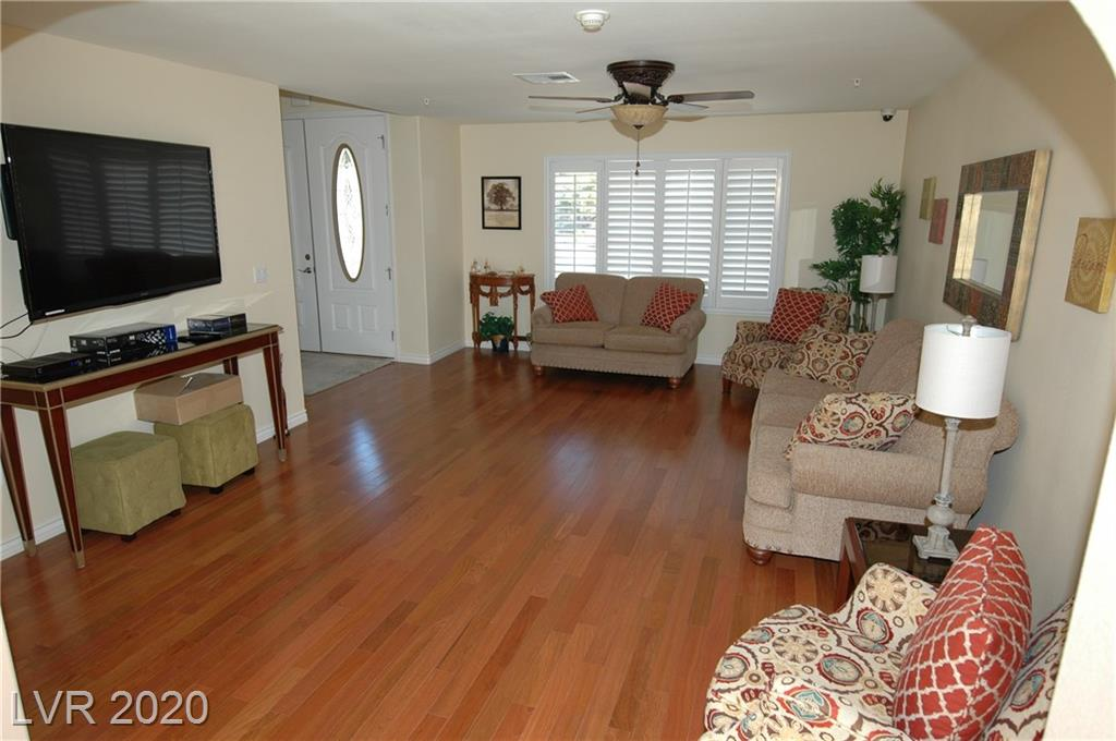 6737 Costa Brava Rd Las Vegas, NV 89146 - Photo 2