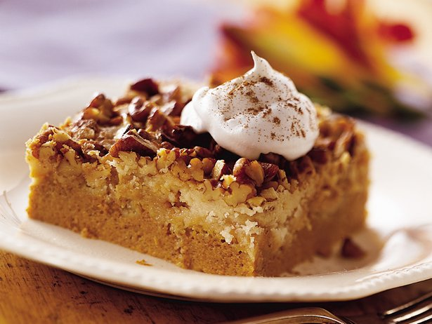 Trusted Results with Betty crocker pumpkin spice cake recipe. Praline-Pumpkin Cake Recipe - football-watch-live.ml Cake mix and purchased frosting pair up with some extras to create a scrumptious pumpkin and praline indulgence. football-watch-live.ml - Recipes - Betty Crocker Pumpkin Cheesecake. Home > Recipes > betty crocker pumpkin cheesecake.