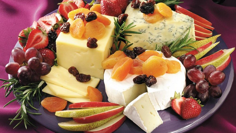 Easy Cheese And Fruit Platter Recipe From Pillsbury Com