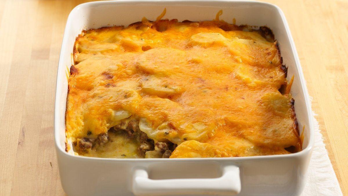 Cheddar Potato & Beef Bake
