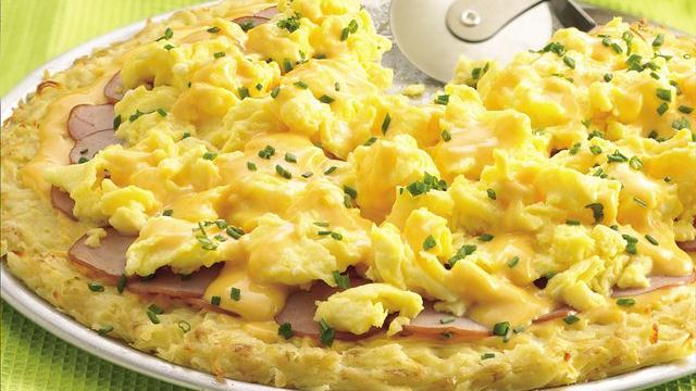 Image of Canadian Bacon Pizza With Cheddar-mustard  Sauce, Pillsbury