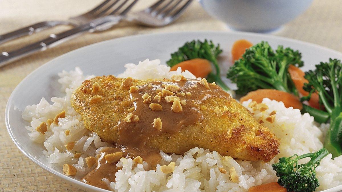 Thai Chicken with Spicy Peanut Sauce