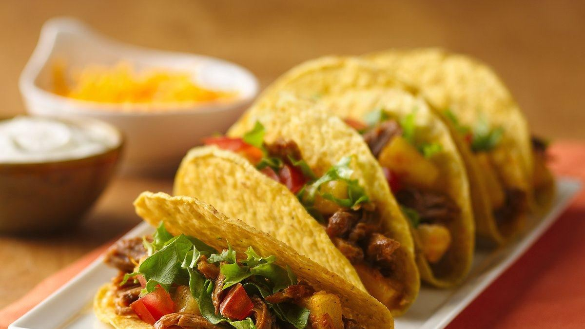 Slow Cooker Pineapple Pulled Beef Tacos