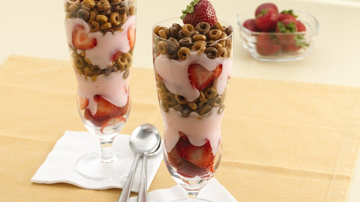 Strawberry-Chocolate Cheerios* Parfaits
