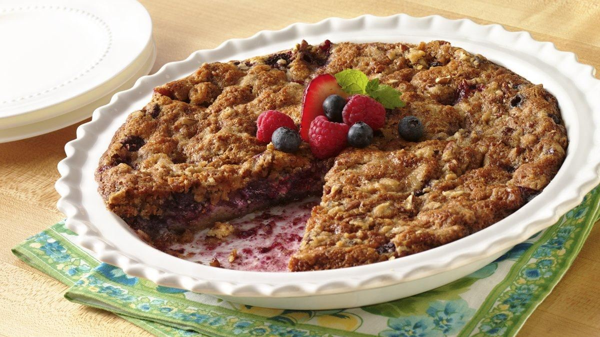 Easy Mixed-Berry Crumble Pie