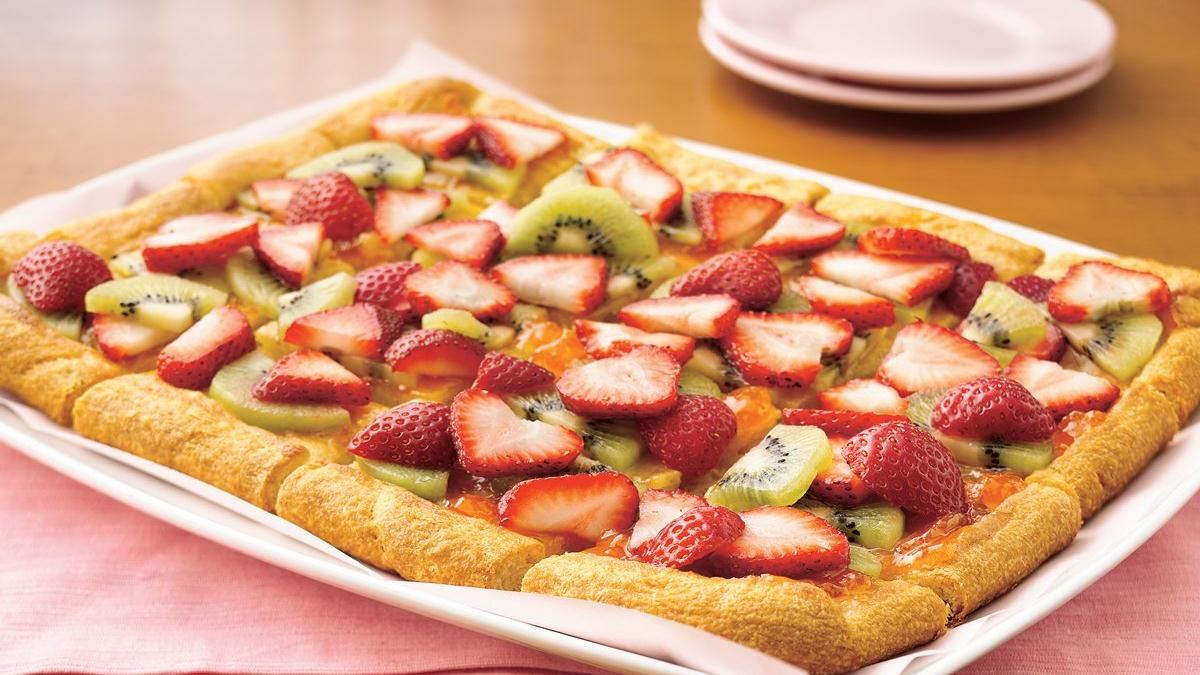 Strawberry-Kiwi-Almond Tart