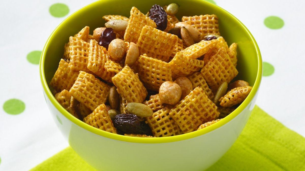 Sweet and Spicy Honey Nut Chex Mix  (Gluten Free)