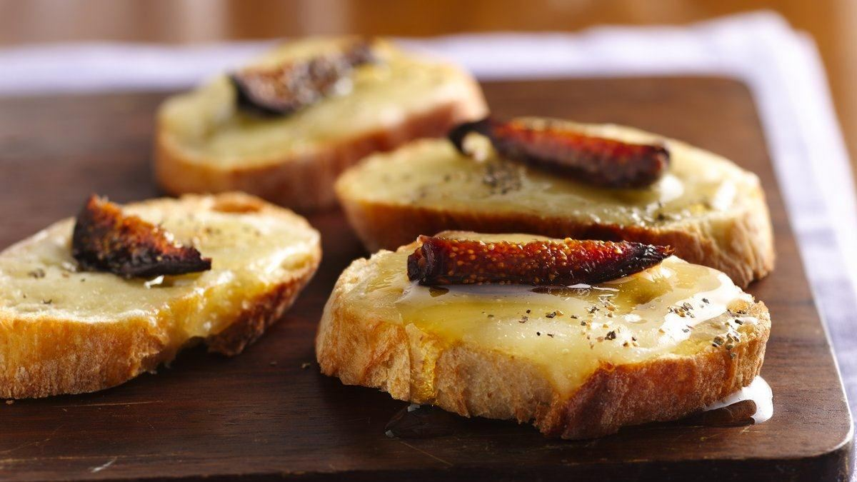 Fig 'n Cheese Toasts