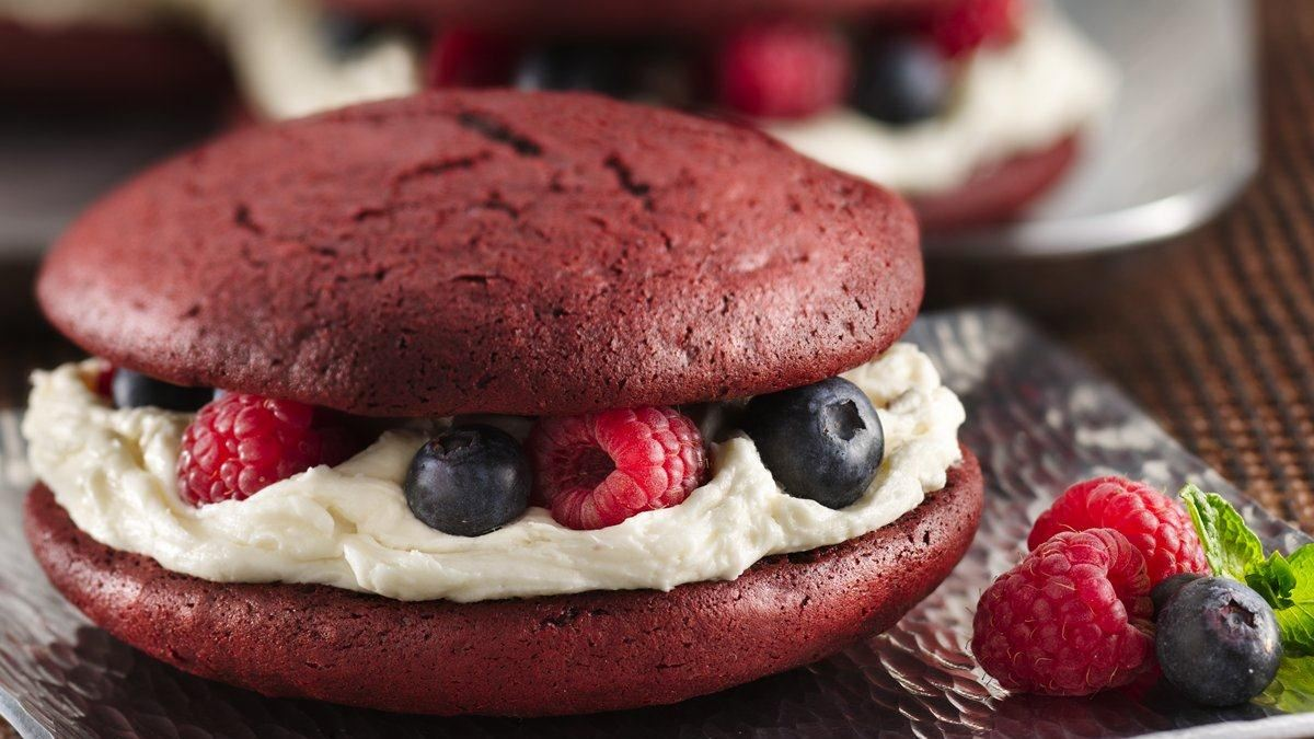 Red Velvet Whoopie Pies Life Made Delicious