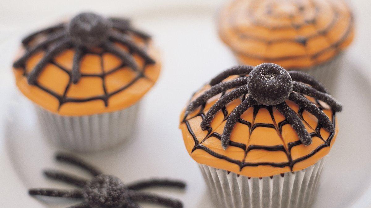 petits g teaux d halloween toiles d araign es vivre. Black Bedroom Furniture Sets. Home Design Ideas
