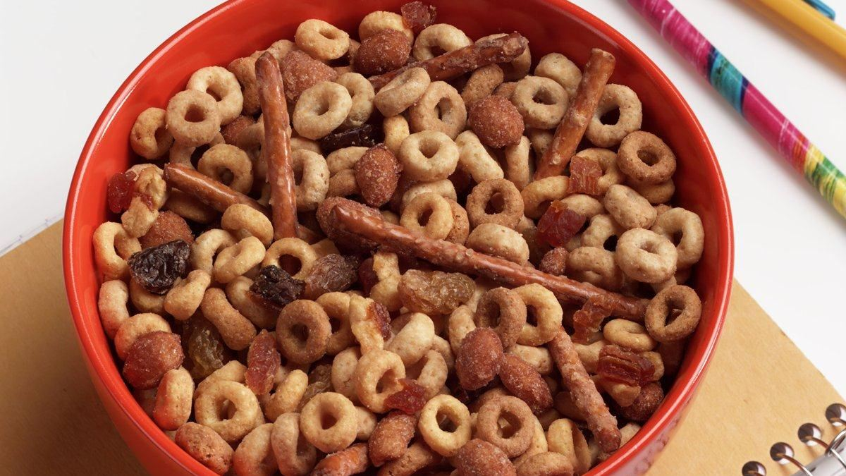 Cheerios* Snack Mix