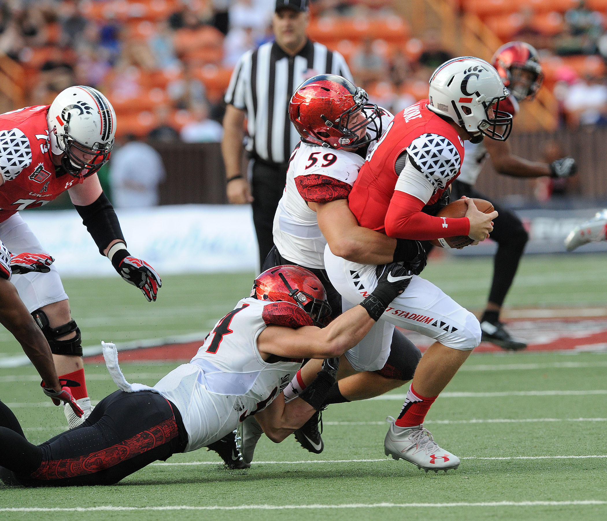 Football Kicks Off 2016 Season Saturday Vs Unh San Diego State