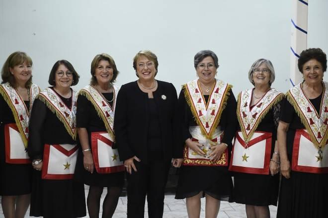 Gob.cl - Artículo: [Archivo] Presidenta Bachelet Recibe Reconocimiento De  La Gran Logia Femenina