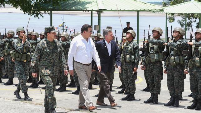 Standard ministerios de defensa de per%c3%ba y brasil reforzar%c3%a1n intercambio de inteligencia para enfrentar amenazas comunes