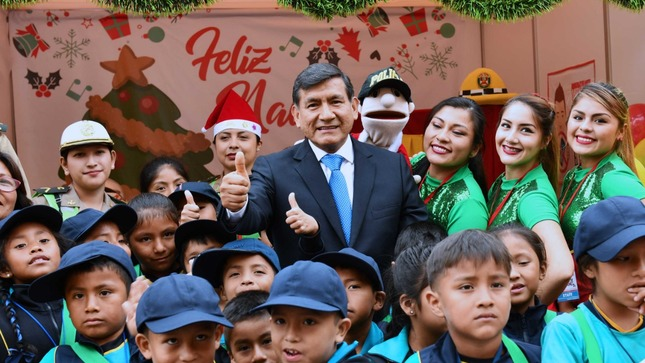 """Ministerio del Interior llevó alegría y enseñanzas a feria navideña intercultural """"Mundo de Ilusiones"""""""