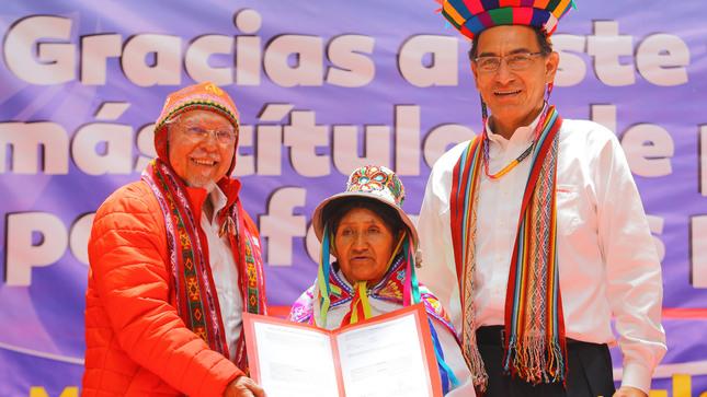 Ministerio de Vivienda entrega 2621 títulos de propiedad en Cusco