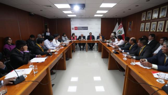 Ministerio de Vivienda informa sobre avances de compromisos asumidos con Olmos