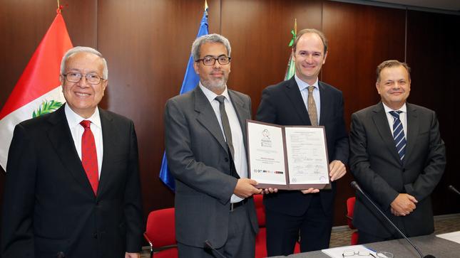 Perú firma acuerdo con Brasil y la OIT para promover el trabajo decente en la producción algodonera