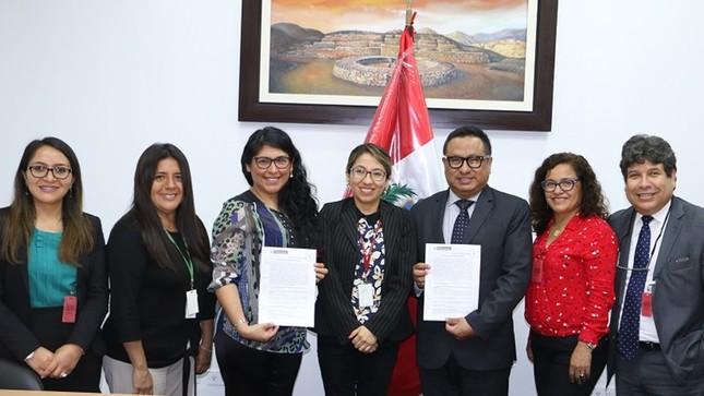 Ministerio del Ambiente y sindicato de trabajadores suscribieron acuerdo