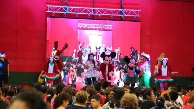 Dos mil quinientos niñas, niños y adolescentes con discapacidad celebraron las fiestas navideñas