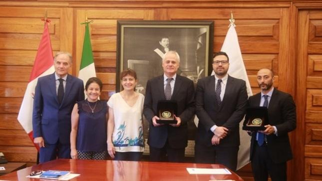 Reconocimiento del Ministerio de Salud al Gobierno de la Republica de Italia por la cooperación recibida