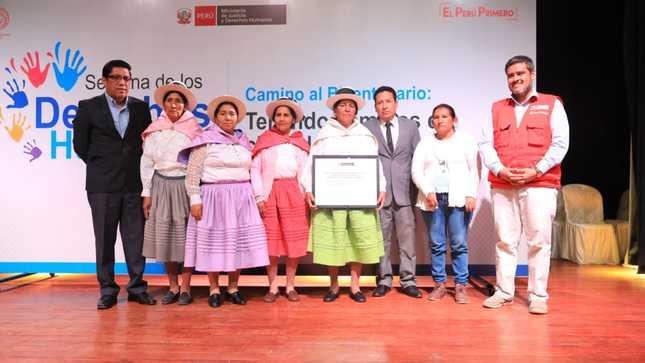 MINJUSDH brinda reconocimiento a organizaciones afectadas en periodo de violencia 1980 - 2000 en Ayacucho