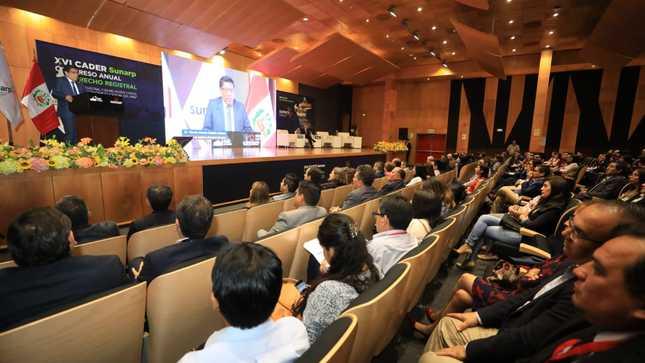 Titular del MINJUSDH destaca compromiso de la SUNARP con la seguridad jurídica en el país