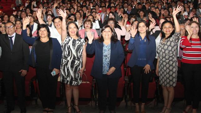 Minedu premia a 150 maestros y directores innovadores